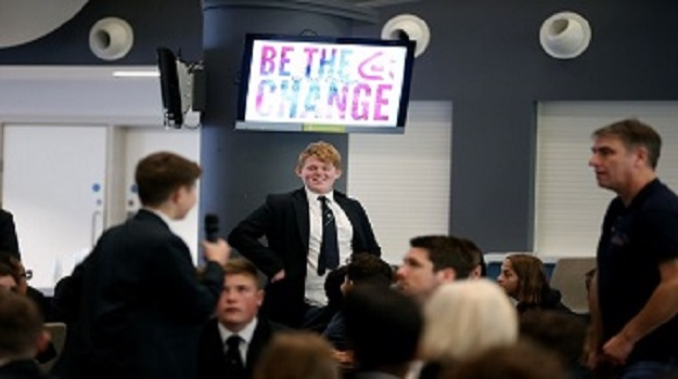 Brighton students and local businesses take part in another of our Be the Change events!
